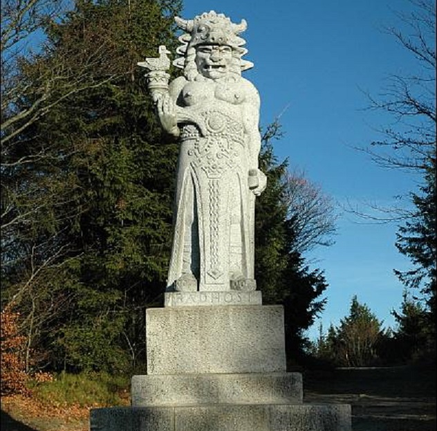 New_granite_sculpture_of_Radegast