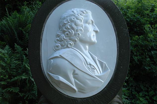 8- Johann Friedrich Bottger