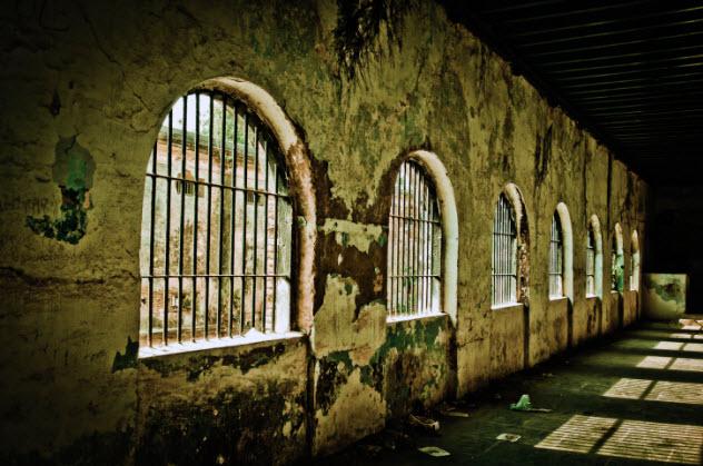 3-jail-153777753