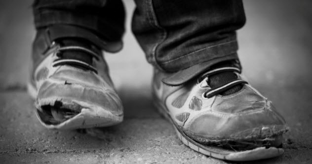 8a-poverty-shoes-expose-465496623