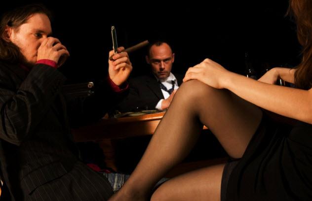 3-poker-girl-122838149