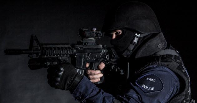 3-swat-477433721