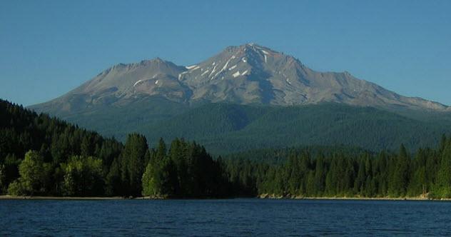 10a-mt-shasta-lake