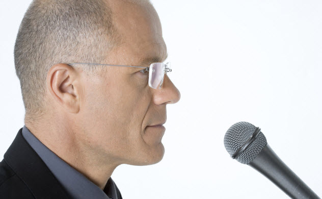 2-microphone-recording-94787745