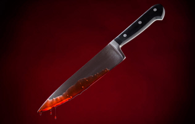4-bloody-knife-177302119