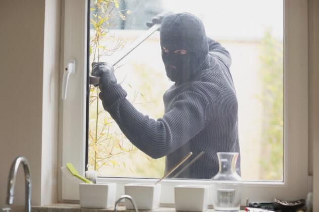 4-burglary-157864532