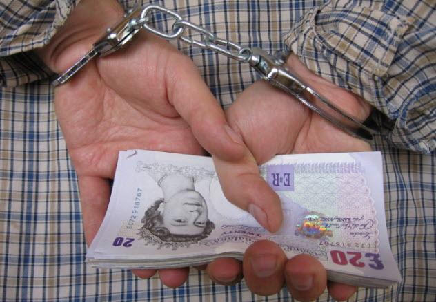7-pounds-crooks-139969711