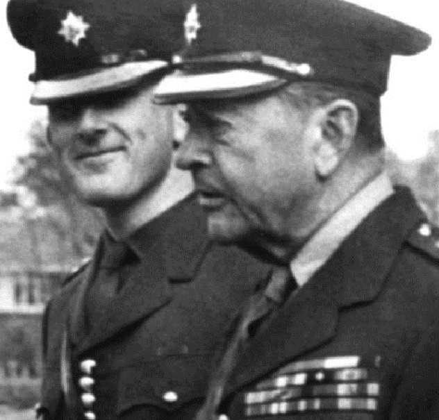 Colin_Wallace_(left)_with_Field_Marshal_Lord_Alexander_of_Tunis