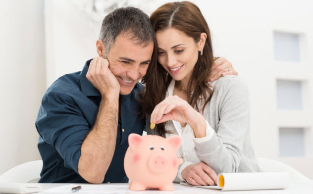 2-couple-piggy-bank-466037151
