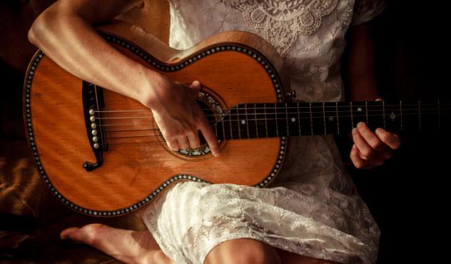 2-musician-187363957