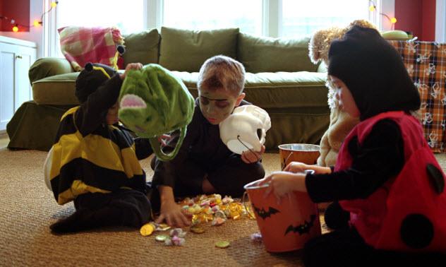 5-halloween-candy-AA046389