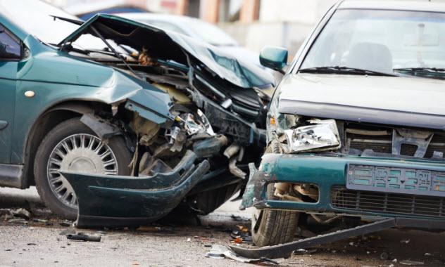 7-car-crash-522604361
