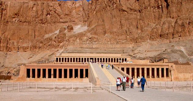 10-hatshepsut-mortuary-temple