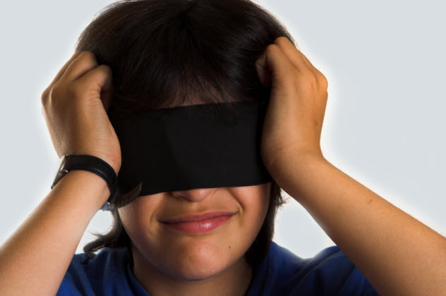 3-blindfolded-child_000001923094_Small-gray-bkgr