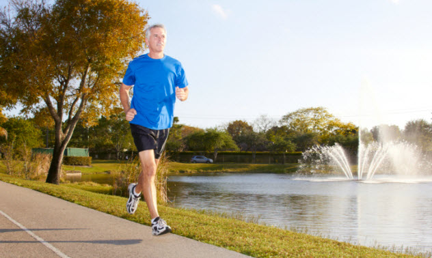 4-senior-runner-162332085