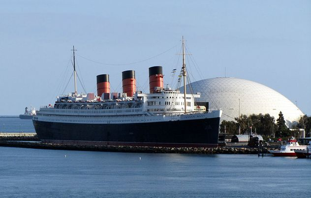 5_RMS_Queen_Mary_Long_Beach_January_2011