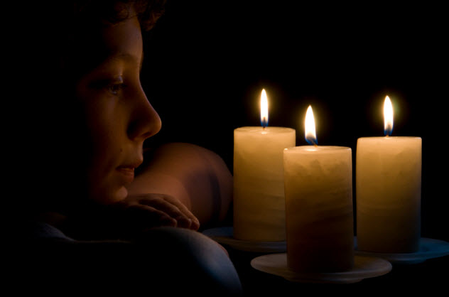 10-boy-with-candles_000008601681_Small