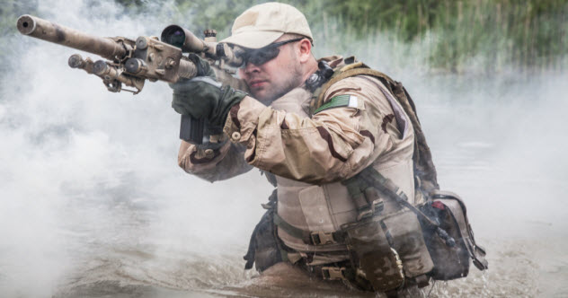 10 Famous People Who Were Secretly Badass Soldiers