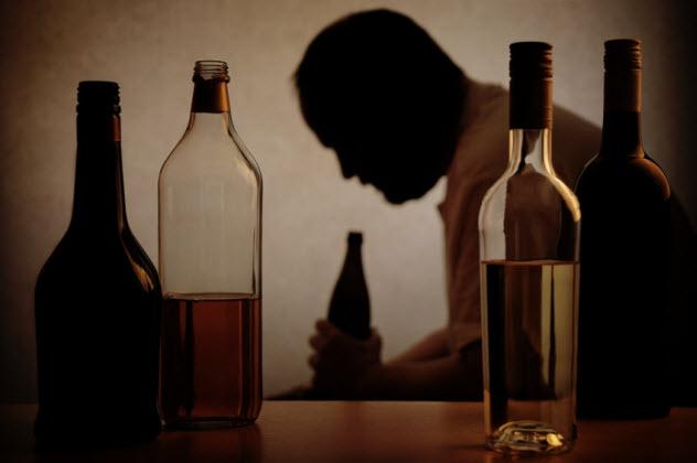 4-alcoholism_000061154754_Small