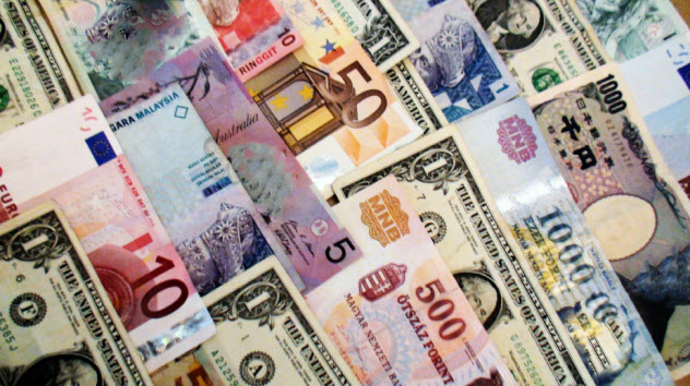 6-currencies_000067525359_Small