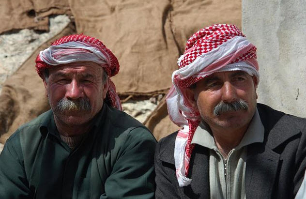 6a-yazidi-men