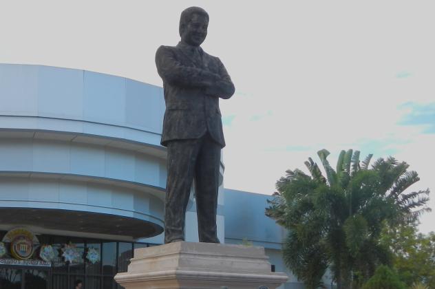 Benigno Aquino Statue