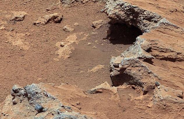 8-mars-rocky-terrain
