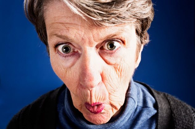 8-shocked-old-woman_000026243927_Small