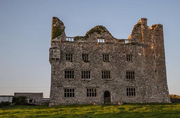 9-leamaneh-castle
