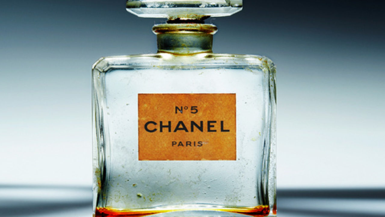Top 10 Bizarre Ingredients In Perfume - Listverse