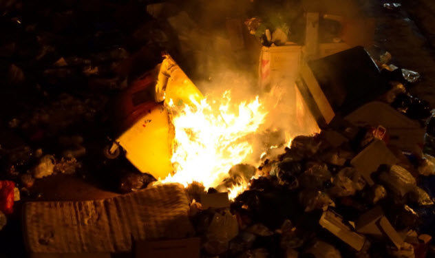 5-burning-garbage_000054592362_Small