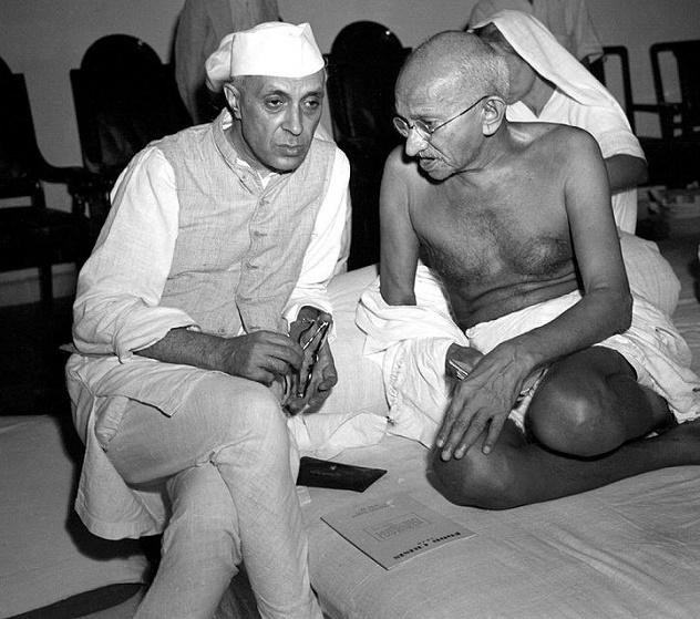 722px-Gandhi_and_Nehru_1942