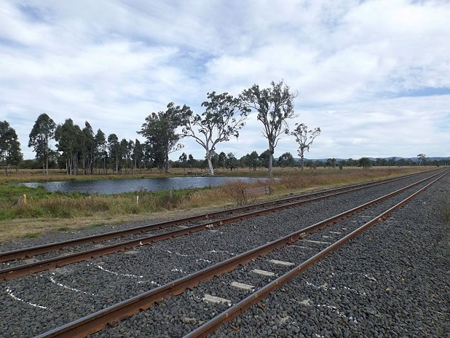 Main_Line_railway_Lanefield,_Queensland_3