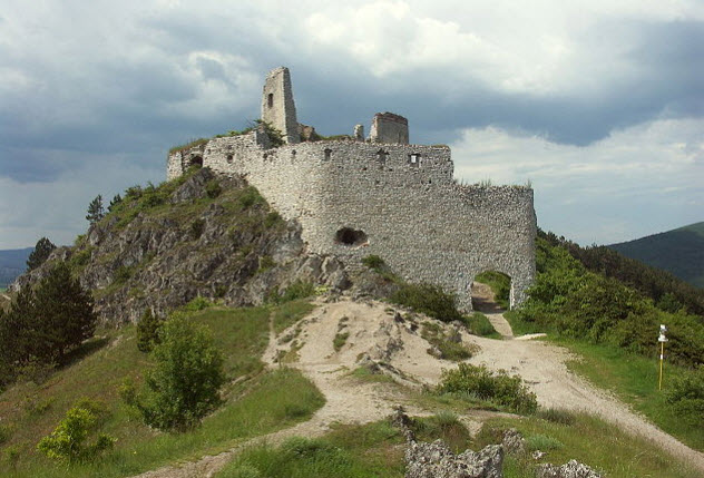 7-Cachtice-Castle