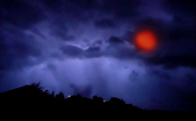 2b-sheet-lightning