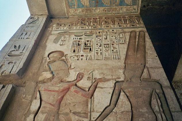 9b-Medinet-Habu-relief