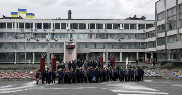 8-chernobyl-employees