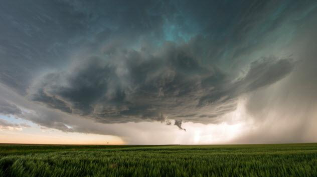 8a-tornado_47005202_SMALL