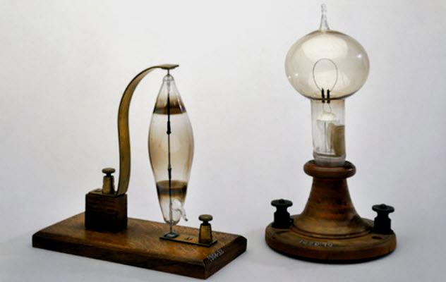 10a-swan-lightbulb