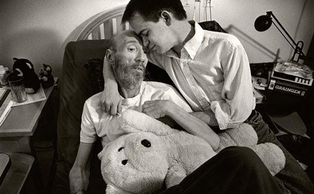 3b-aids-hospice-patient