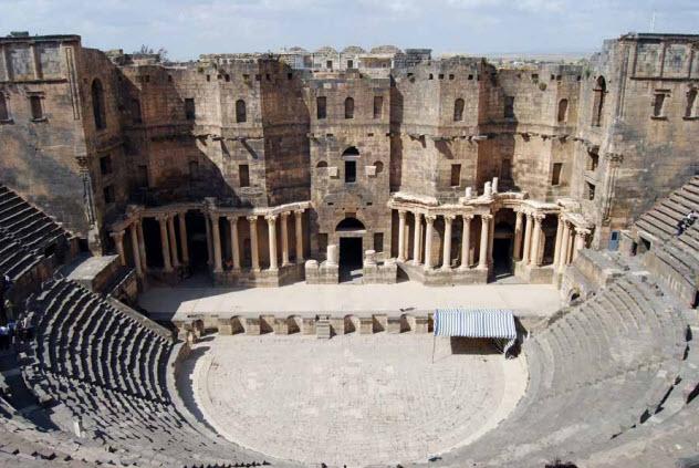 9-roman-theater