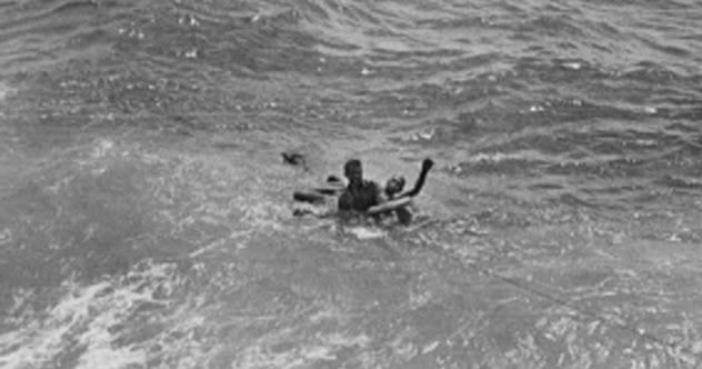 10j-japanese-pow-survivors-in-sea