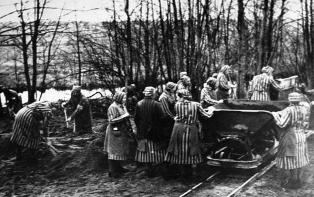 6-ravensbruck-concentration-camp-female-prisoners
