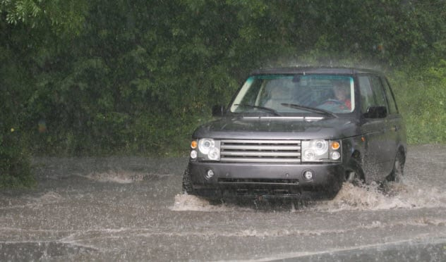 10a-suv-in-rain_3748953_small