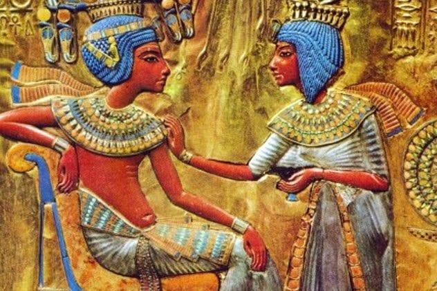 2-tutankhamun-and-ankhsenamun