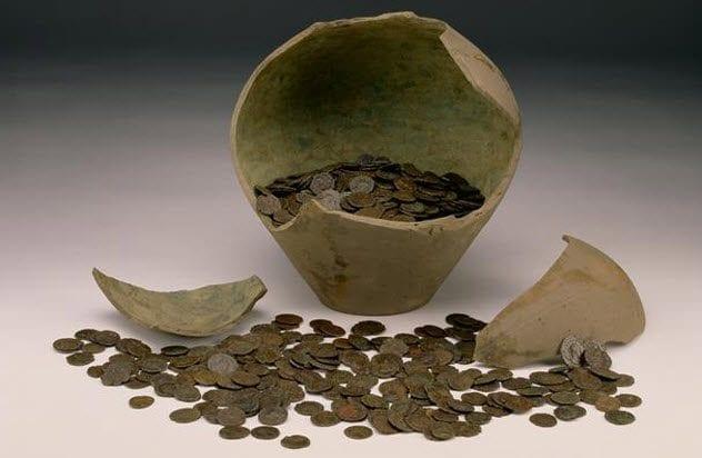 8-roman-coin-hoard