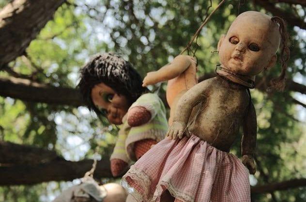 9-island-of-the-dolls