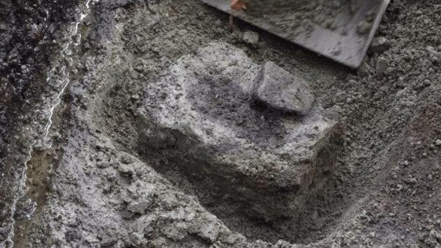 calvert-island-footprint
