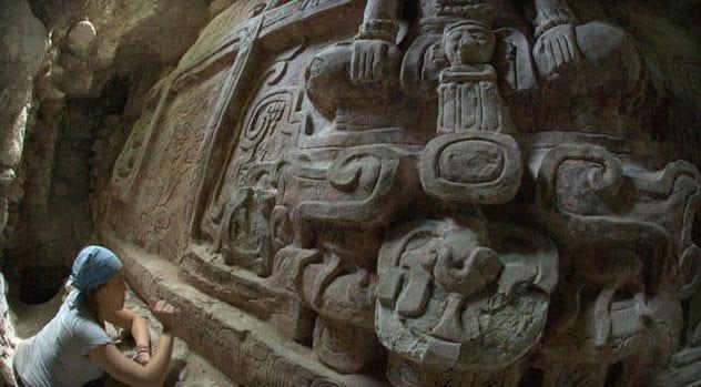 4-mayan-frieze