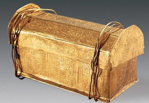 buddha-skull-coffin